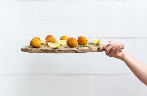 Recept: zelf arancini maken (Siciliaanse risotto balletjes)