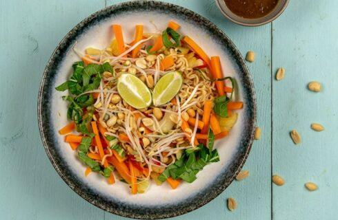 Lenterecept: snelle vegetarische Pad Thai met zelfgemaakte saus