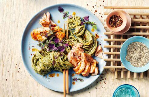 Origineel en snel recept met groene thee noodles en zalm!