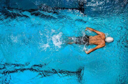 Deze 6 gezondheidsvoordelen maken zwemmen de beste workout!