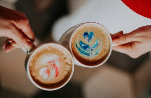 Koffierecepten van tiktok: zo wordt jij ook barista!