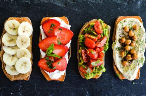 Recept: gezonde zoete aardappel toast op 4 manieren