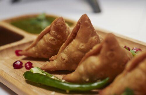Recept: lekkere en knapperige Indiase samosa's