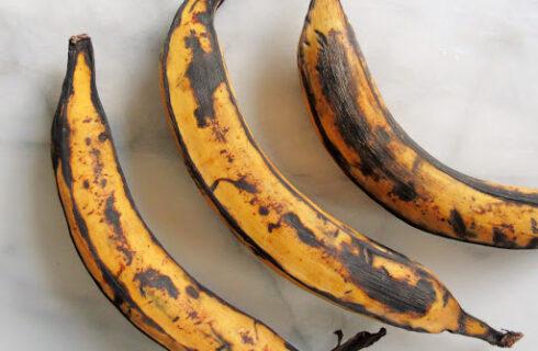 Gebakken banaan uit de airfryer met een lekker krokant laagje