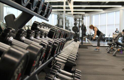 Veilig sporten in de sportschool doe je met deze tips!