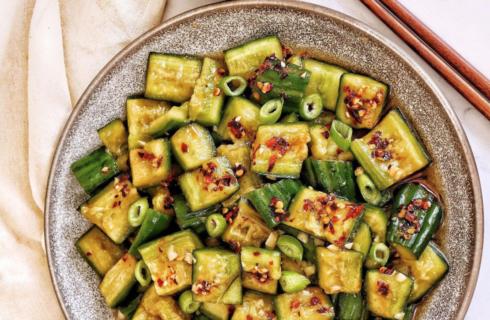 Recept: verrukkelijke Chinese komkommer salade (spicy)