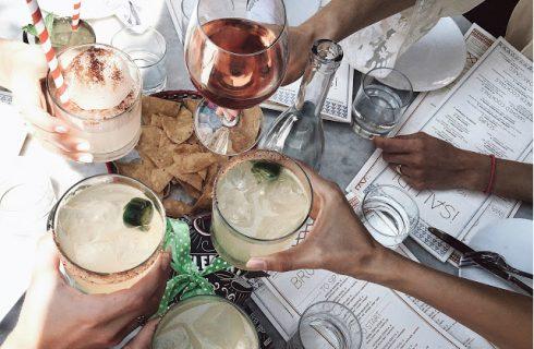 Mix jij alcohol met light producten? Dan word je sneller dronken!