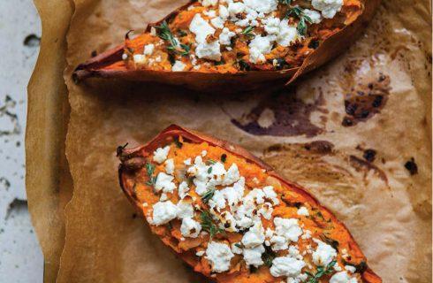 Simpel én gezond, gevulde zoete aardappel uit de oven!