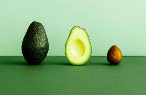 Nu je dit weet, gooi je nooit meer een avocado pit weg!