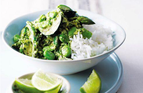 Thaise groentecurry met tuinbonen en spinazie (vegan)