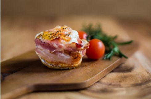 Koolhydraatarm: Hartige ei-muffins met bacon