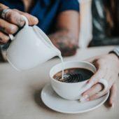 Zo maak je een hartje in je koffie