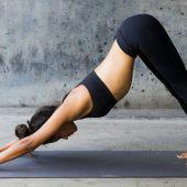 Unieke ervaring: Yoga op het dak van de A'dam toren