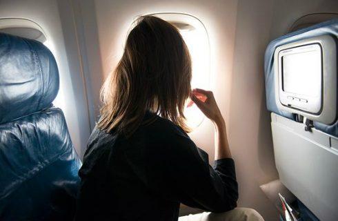 Deze tips helpen jou om makkelijker te slapen in het vliegtuig!