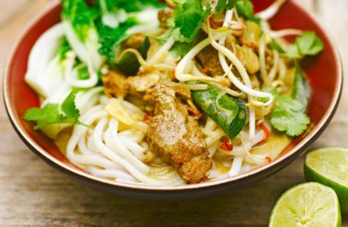Thaise curry soep met courgette en zoete aardappel