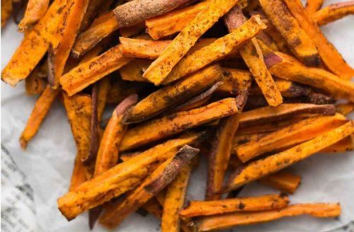 Pittige én knapperige zoete aardappelfriet