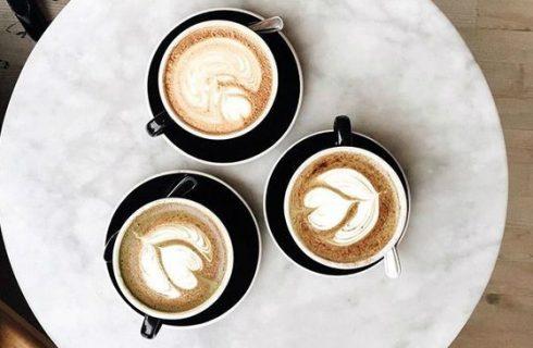 Dit is waarom je koffie moet drinken tegen een jetlag