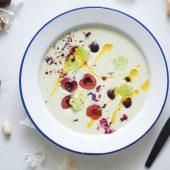 Overheerlijke bloemkoolsalade met granaatappel