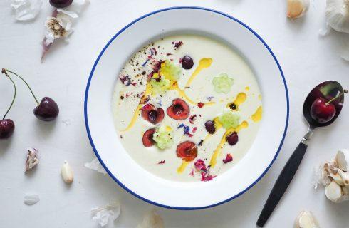 Ajo blanco: een heerlijke koude amandel knoflook soep uit andalusië