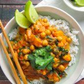 Kikkererwten paprika curry met verse pompoen to go