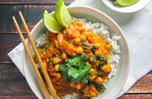 Heerlijke vegan kikkererwten curry met zoete aardappel