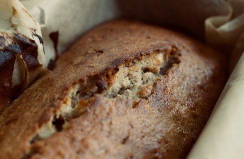 Heerlijke pompoen brood met banaan en cacoa nibs!