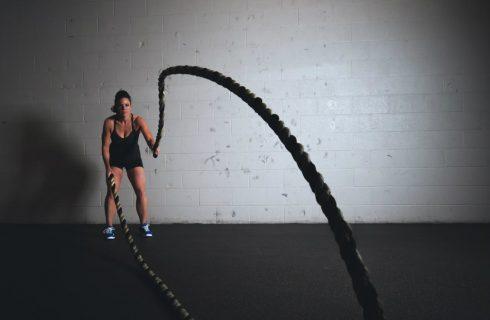 Met deze 3 oefeningen heb je binnen no-time een strak lichaam!