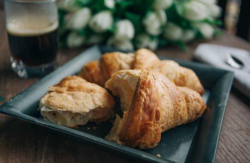 Wat is het beste tijdstip om te ontbijten (en cravings te voorkomen)?
