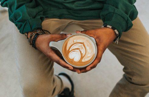 Dit 10 minuten trucje geeft je meer energie dan een kop koffie!