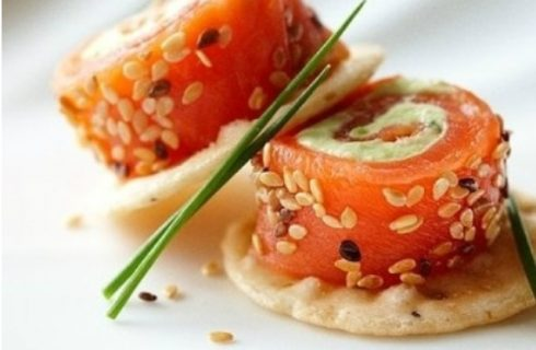 Avocado zalm rolletjes met cream cheese