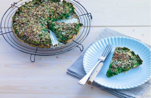 Hartige taart met avocado, spinazie zaden en noten (glutenvrij)
