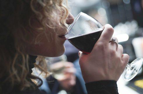 Wat jij eet en drinkt heeft invloed op hoe je gezicht eruit ziet!