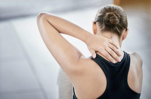 2 oefeningen die helpen bij nekpijn en een stijve nek door stress!