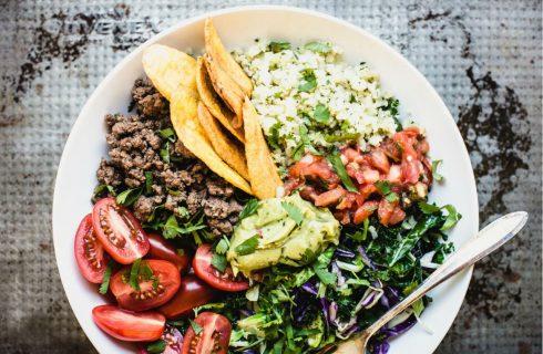 Gezonde taco bowl met tortilla chips! (paleo)