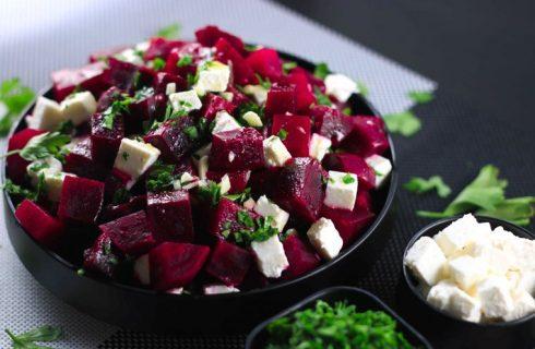 Heerlijke gezonde eiwitrijke bietensalade