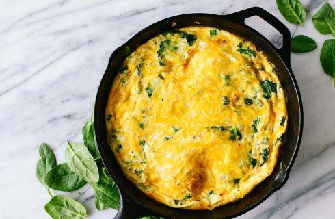 koolhydraatarme frittata met broccoli en oude kaas