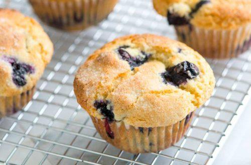 Koolhydraatarme bananen muffins met blauwe bessen