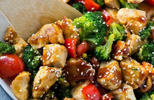 Heerlijke kleurrijke ovengroenten met kip