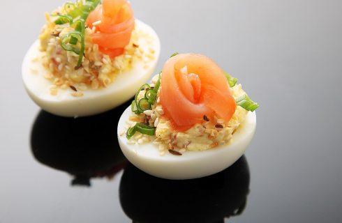 Heerlijk gevulde eieren met zalm!