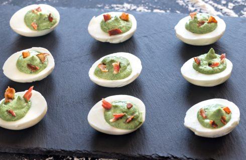 Heerlijk hapje voor bij pasen; gevulde eieren met avocado