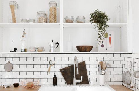 Oude kruiden, restjes? Wat je wel en absoluut niet kunt bewaren in de keuken!