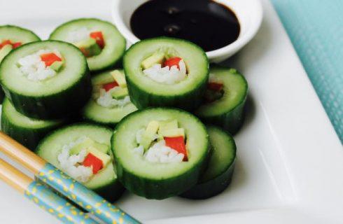 Probeer een keertje deze originele komkommer sushi