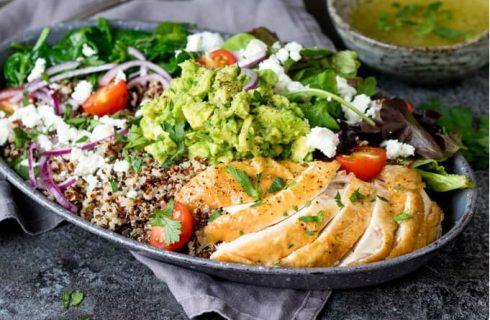 Super proteïne salade met kip en quinoa!