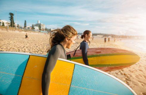 Dit is waarom jij moet leren surfen deze zomer
