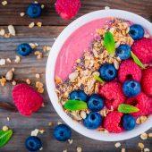 Ontbijt: Griekse yoghurt met kiwi en muesli