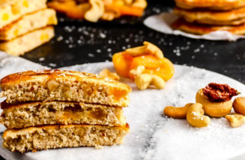 Spicy cashew-abrikozen pannenkoeken