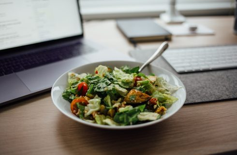 De lunch op kantoor van tien verschillende landen
