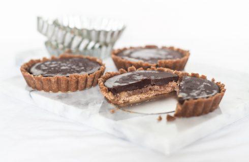 Heerlijke vegan chocoladetaartjes met gezouten korst