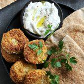 Gek op zoete aardappel én falafel? Probeer deze zoete aardappel falafel!